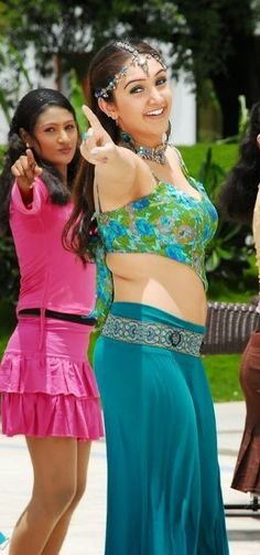 Sreedevi Vijayakumar Hot Navel Photos in Green Dress Indian Actress Hot Pics, Bollywood Actress Hot Photos, Bollywood Girls, Beautiful Bollywood Actress, Beautiful Indian Actress, Indian Actresses, Hot Actresses, Beautiful Ladies, Beautiful Actresses