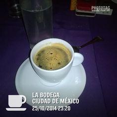 Mas de café en capsulas, no hay imaginación. buena música cubana, cena mexicana.