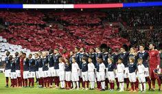 Inglaterra e França esquecem rivalidade e cantam 'Marselhesa' (foto: EPA)