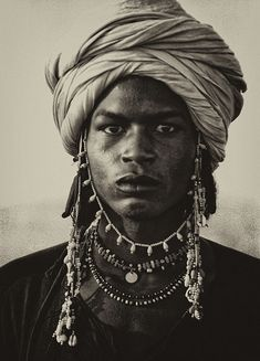 Black and white photos of Woodabe in their desert camp African Tribes, African Men, Turbans, Black Is Beautiful, Beautiful People, Afro, Folk, Black Image, Cultural