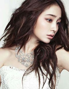 To view previously released spreads of Lee Min Jung (and Lee Byung Hun) from the September edition of Elle Korea, go here: Part 1 Part 2 Part 3 Part 4 Source Lee Min Jung, Lee Byung Hun, Korean Beauty, Asian Beauty, Korean Makeup, Korean Celebrities, Celebs, Pretty People, Beautiful People