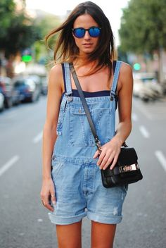 Fashionvibe+Is+Wearing+Denim+Overalls+From+Zara,+Crop+Top+And+Bag+From+Proenza+Schouler