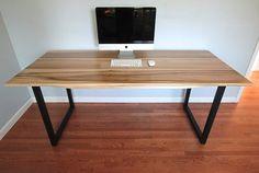 Minimaliste moderne industrielle bureau ou Table à manger / / soleil bronzé peuplier / / Matte noire pieds en acier