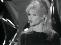 Brigitte Bardot ~ L'appareil  sous (Gainsbourg) 1963