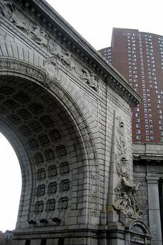 NYC - Chinatown: Manhattan Bridge Arch