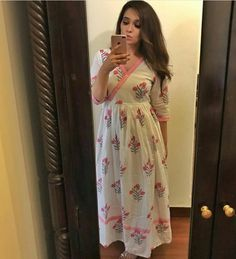 Indian Gowns Dresses, Indian Fashion Dresses, Boho Outfits, Fashion Outfits, Simple Kurta Designs, Frocks And Gowns, Kurta Cotton, Frock Patterns, Frock For Women