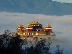 Himalayalar'ın heybetli manzarasının sizi karşılayacağı farklı bir kültüre doğru yolculuk; Nepal Turu.