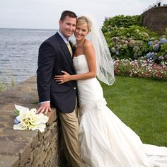#ThrowbackThursday to this gorgeous outdoor wedding from 2009.