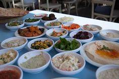 Meze in Israel - yummy food! Luxury Blog, Fresh Rolls, Israel, Yummy Food, Ethnic Recipes, Life, Delicious Food