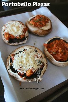 Portobello Pizzas - with Tempeh marinara sauce; need cup tempeh and 2 cups tomato sauce, basil, nutr yeast, (vegan mozzarella shreds); Veggie Recipes, Whole Food Recipes, Vegetarian Recipes, Cooking Recipes, Healthy Recipes, Vegan Vegetarian, Paleo, Portobello, Pizza Vegana