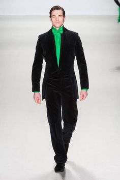 Zang Toi F/W 2014...not keen on the bow but the colour combo as well as that lovely velvet (?)suit is pretty spesh