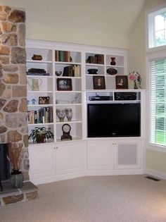 corner tv built in Home, Living Room Tv, Built In Cabinets, Bookshelves Built In, Corner Tv Cabinets, Home Remodeling, Living Room Corner, Corner House, Tv Cabinets