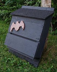 THEY EAT 1,000 MOSQUITOES PER HOUR! approved bat house plans @Cheryl