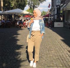 Travel fashion style spring simple ideas for 2019 Modern Hijab Fashion, Street Hijab Fashion, Hijab Fashion Inspiration, Islamic Fashion, Muslim Fashion, Fashion Trends, Fashion Ideas, Hijab Style, Casual Hijab Outfit
