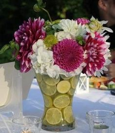 arreglo floral con limones