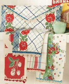 1940 s style retro kitchen towels bright fruits flowers-love vintage towels! Vintage Dishes, Vintage Tea, Vintage Kitchen, Vintage Decor, Vintage Linen, Antique Dishes, Vintage Tableware, Vintage Sheets, Vintage China