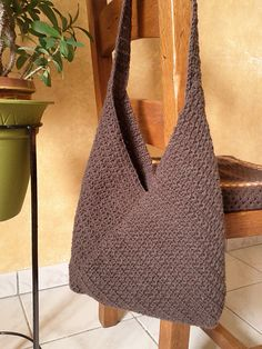 crochet handbags Ravelry: Project Gallery for Masa Bag pattern by Lisa Risager Crochet Market Bag, Crochet Tote, Crochet Handbags, Crochet Purses, Diy Crochet, Free Crochet Bag, Ravelry Crochet, Leather Drawstring Bags, Origami Bag