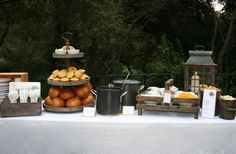 bloom designs: Fall Party Idea- Chili Under the Oaks Baked Potato Bar, Baked Potatoes, Soup Bar, Chili Party, Chili Cook Off, Harvest Party, Bread Bowls, Party Food And Drinks, Food For A Crowd