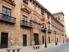 Palacio renacentista de los Condes de Gómara en Soria. Actual Palacio de Justicia.
