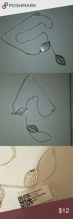 Beautiful leaf necklace Beautiful silver leaf necklace Jewelry Necklaces