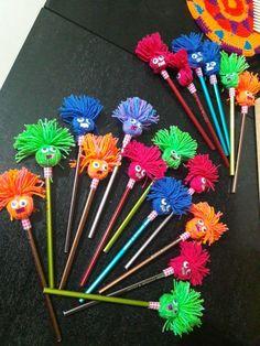 Notepad Flip and Spell Wortfamilienaktivität - Bastelideen Kinder Bird Crafts, Easy Crafts, Diy And Crafts, Crafts For Kids, Paper Crafts, Easy Diy, Pencil Topper Crafts, Pencil Crafts, Market Day Ideas