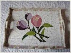 Resultado de imagen para bandejas de mosaico Mosaic Planters, Mosaic Tray, Wood Mosaic, Mosaic Garden, Stone Mosaic, Mosaic Tiles, Mosaic Crafts, Mosaic Projects, Free Mosaic Patterns