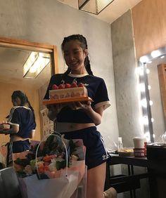 Uzzlang Girl, Bday Girl, Asian Model Girl, Asian Girl, Aesthetic Photo, Aesthetic Girl, Human Bean, Apink Naeun, Gangsta Girl