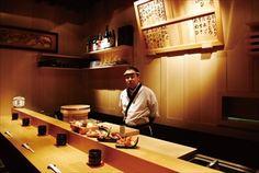 レトロな居酒屋の一角にある寿司カウンター