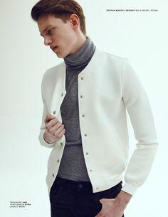 casaco com a blusa gola role ficou show