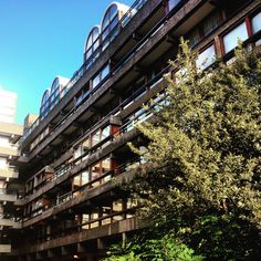 #barbican is a place of such sublime beauty in the late summer sun. #brutalism #brutalist #concrete #balcony #glass #sky #trees #photography #design #contrast #hekkta