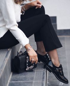 Elegante Business Slipper, getragen von Luana Silva
