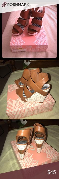 Gianni Bini Day Datez Platform Sandals Gorgeous platform Sandals in like new condition!! Never worn only tried on, purchased from Dillard's. Tan leather with lace platform, will come with box. Gianni Bini Shoes Platforms