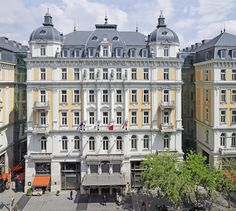 The Corinthia Hotel Budapest was first opened as the Grand Hotel Royal back in The luxury hotel is in the capital city of Hungary. Grand Budapest Hotel, Grand Hotel, Hotel Royal, Danube River Cruise, Prague Travel, Hotel Packages, Travel Couple, Luxury Travel, Places To See