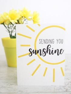 This simply sunshine card is great for all occasions. Whether you use it as a sympathy card, good luck card or birthday card, head over to Aubree Originals for the download. She also has loads of other cute sunny printables for gift boxes, tags etc. Best Friend Cards, Cards For Friends, Box Of Sunshine, Sunshine Cake, Appreciation Cards, Volunteer Appreciation, Get Well Gifts, Work Gifts, Sunshine Printable