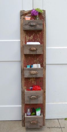 Wood Projects DIY Barn Wood Wall Bin - We are always trying to get more organized in all areas of our lives. This easy DIY wall organizer has a rustic look but will keep anything you store in it streamlined and neat. Barn Wood Crafts, Barn Wood Projects, Rustic Crafts, Diy Projects, Barn Wood Decor, Decor Crafts, Farmhouse Style Decorating, Farmhouse Decor, Rustic Cottage