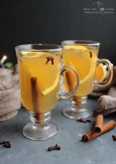 Rozgrzewająca herbata z cynamonem, goździkami i pomarańczą – Odżywiaj się zdrowo Healthy Diet Recipes, Fruit Recipes, Healthy Drinks, Fun Drinks, Drinking Tea, Afternoon Tea, Food Inspiration, Tea Time, Tea Party