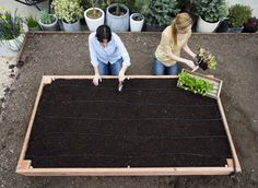 Step-by-Step: Build the Ultimate Raised Bed | Use these DIY instructions to make your own planting box for veggies