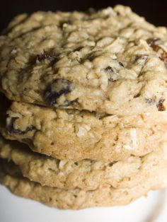 Perfect Oatmeal Raisin Cookies - The key is soaking the raisins :)