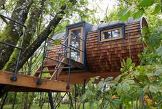 Environmentally Extend Your Home With Bower House Modern-Day Treehouse Designs