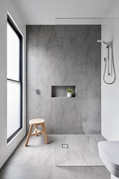 Modernes Badezimmer in Beton Optik. Modern bathroom in concrete optics. Elegant And Modern Elegant And Modern BBathroom: Concrete wallpa Wet Rooms, Bad Inspiration, Bathroom Inspiration, Bathroom Inspo, Modern Bathroom Design, Bathroom Interior Design, Minimalist Bathroom Design, Bathroom Designs, Minimal Bathroom