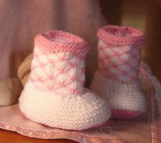 Baby Booties Knitting Pattern PDF download by TashaKnits on Etsy