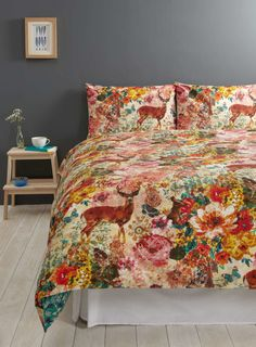 Photo 2 of Vintage Tapestry Deer Bedding Set Wall Tapestry, Deer Bedding, Bedding Sets, Home Lighting, Picture Frames, Duvet Covers, Comforters, King