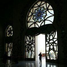 أبوظبي، الإمارات  AbuDhabi, UAE  By @bukh55 www.magicalarabia.com