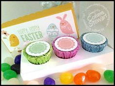 Reese's Peanut Butter Cup Easter Box – Video Tutorial (Simply Simple Stamping) Easter Candy, Hoppy Easter, Easter Treats, Easter Gift, Peanut Butter Cups, Treat Holder, Treat Box, Diy Ostern, Candy Crafts