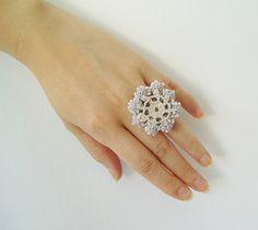 Crochet encaje joyas gracia anillo de por DorisChiStudio en Etsy