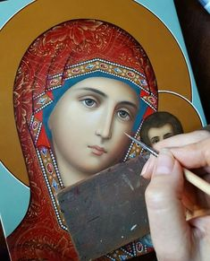 The Virgin Mary being painted in classic icon style. Red hood and blue trim and background. Religious Icons, Religious Art, Architecture Religieuse, Christian Religions, Blessed Mother Mary, Byzantine Icons, Holy Mary, Art Thou, Madonna And Child