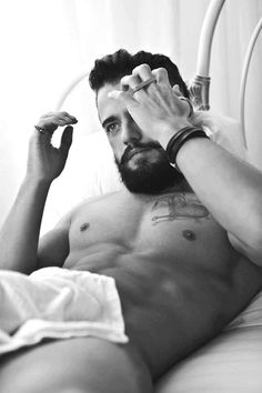 In this Commando Daily Package, an anonymous model prefers to sleep in bed in the nude. Combines with his beard, this guy is serving Declan-John Geraghty.