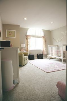 Love the soft touch of color in this room #nursery