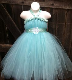 Queen Elsa Tutu Dress-Disney's Frozen Inspired Costume With Attached Tulle Cape by FancifulFluff on Etsy Little Girl Halloween Costumes, Halloween Dress, Halloween Party, Frozen Tutu, Frozen Dress, Frozen Bday Party, Flower Girl Dresses, Tutu Dresses, Baby Dresses