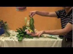 Flower Arrangement,フラワーアレンジメント,arranjo de flores,插 - YouTube Church Flower Arrangements, Floral Arrangements, Ikebana, May Designs, Flower Designs, Diy And Crafts, Floral Design, Creative, Florals